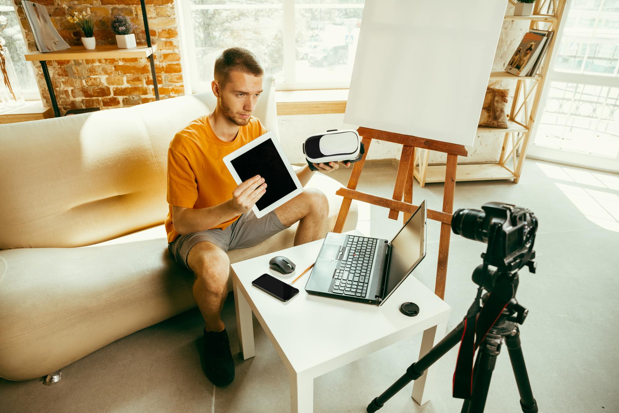 konten kreator, content creator, deskripsi pekerjaan, job description